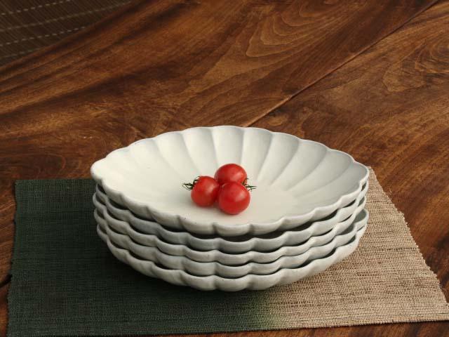 白粉引き輪花楕円大皿
