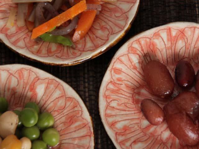 赤絵淡花豆皿牡丹