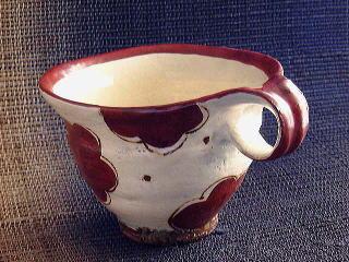 マグカップ赤絵(白地に赤花模様)