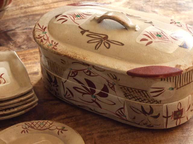 赤絵草紋重箱取り皿セット(2段)