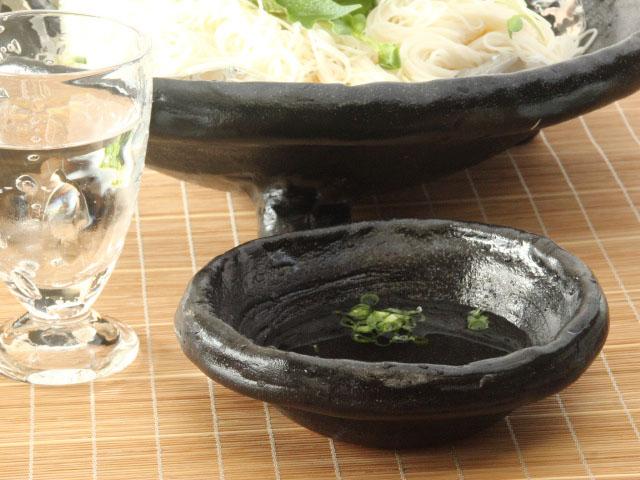 黒釉野の小鉢