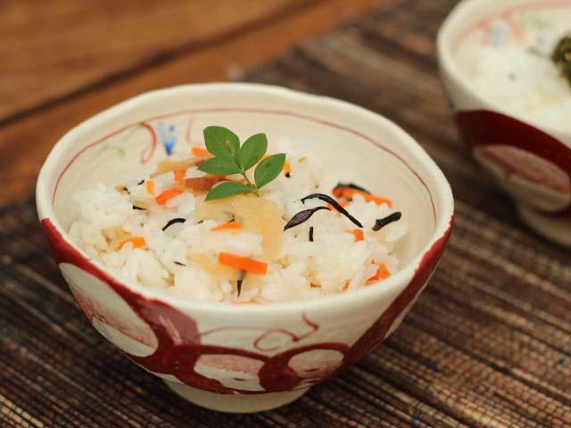 赤絵丸紋ご飯茶碗